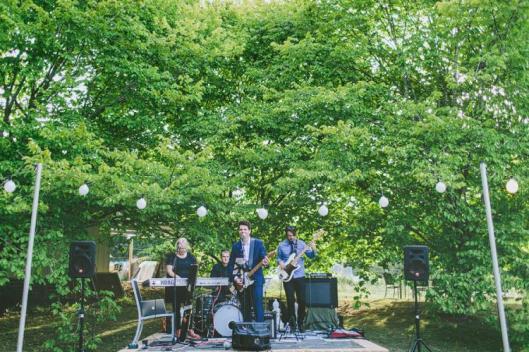 boda muebles jardin vintage campo 8 grupo musica aire libre luces